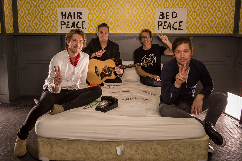 2018_03_15, Austin, SXSW, The Belmont, TX, bed in, Hanson, brian rothschild, peace signs,
