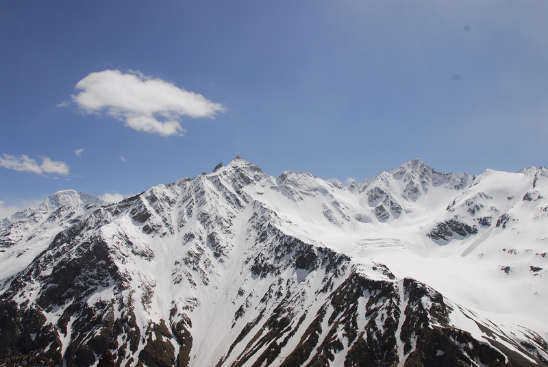 080502 2402 Russia - Mount Elbruce - Day 2 Trip to 15000 feet _E _I ~E ~L.JPG