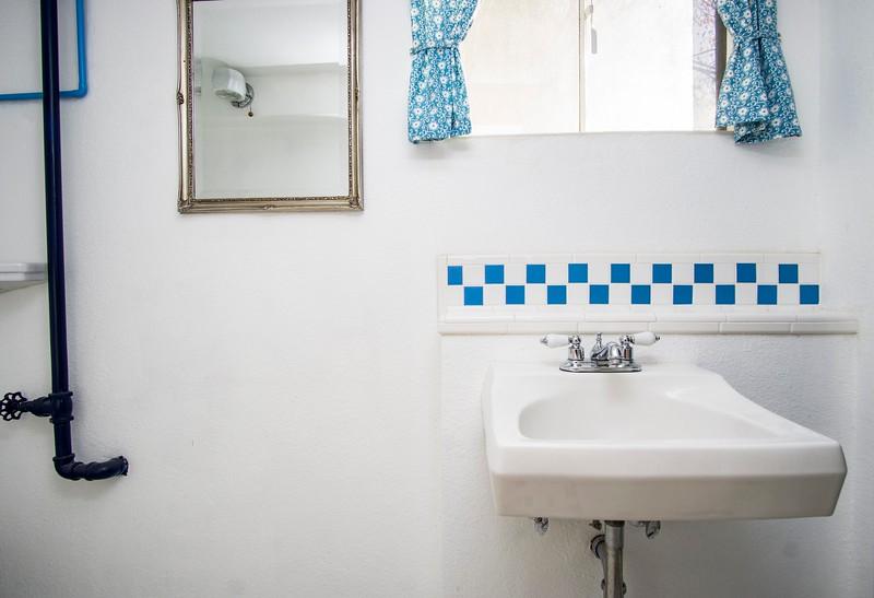 bas bath b.jpg