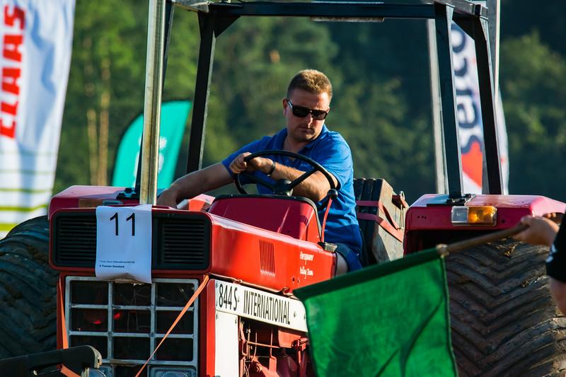 Tractor Pulling 2015-9042.jpg