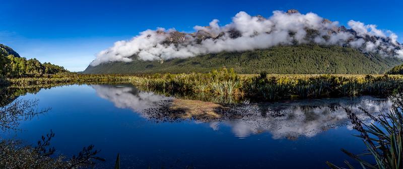 Die «Mirror Lakes» bei Morgennebel