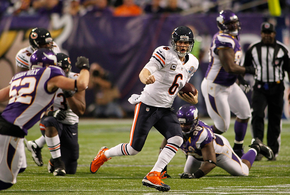 . Chicago Bears quarterback Jay Cutler (6) scrambles during the second half of an NFL football game against the Minnesota Vikings Sunday, Dec. 9, 2012, in Minneapolis. (AP Photo/Andy King)