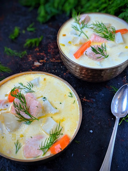 Lohikeitto Finnish Salmon Soup dark 2.jpg