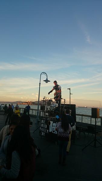 one man show @ Fishermen's Wharf