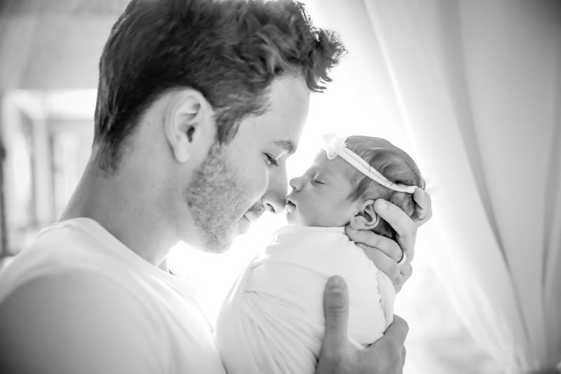 bw_newport_babies_photography_hoboken_at_home_newborn_shoot-5045.jpg