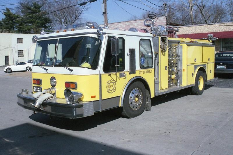 Berkeley MO - Engine 3620 - 1985 E One Hurricane 1500-750 #3987.jpg