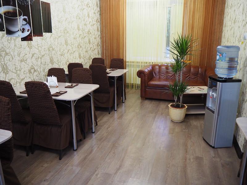 P7210076-hotel-dining-area.JPG