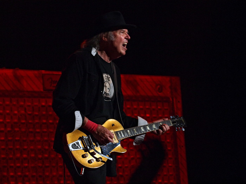 Neil Young & Crazy Horse 05-06-13 (29).jpg