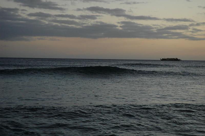 Hawaii - Ala Moana Beach Sunset-162.JPG