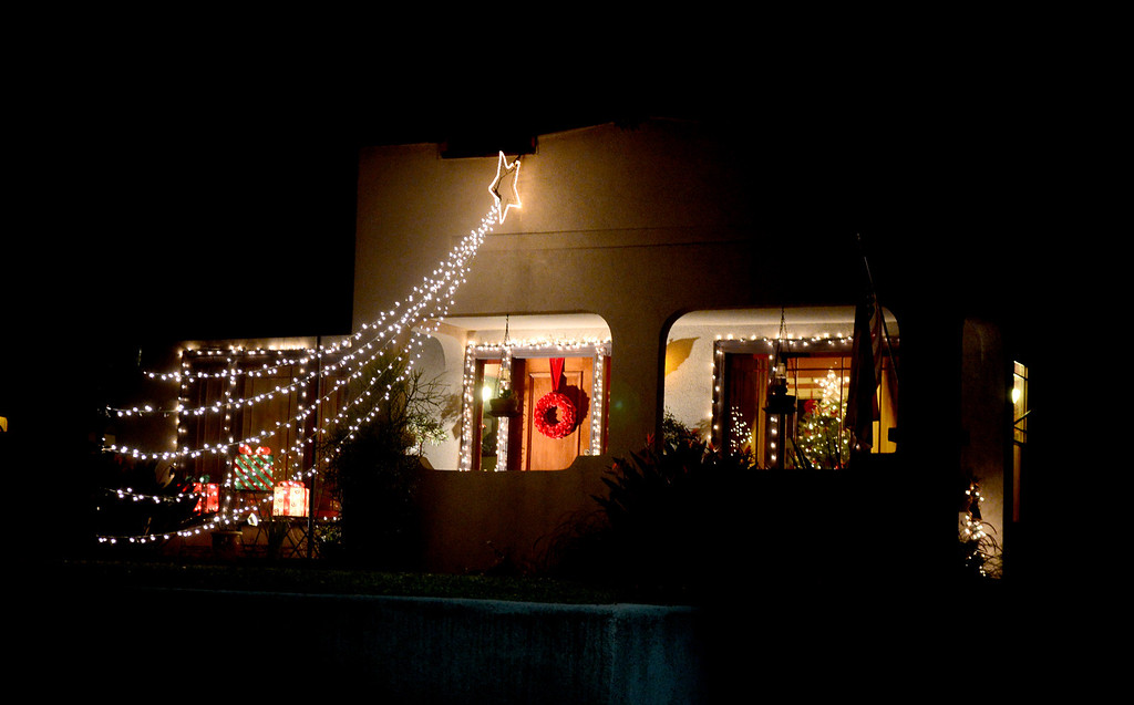 . A house is lit up for the holidays on the 900 block of North Marengo Avenue in Pasadena Thursday night, December 19, 2013. (Photo by Sarah Reingewirtz/Pasadena Star-News)