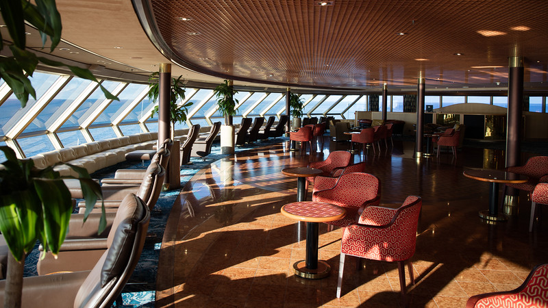 Lounge on the forward upper deck of the Noordam.