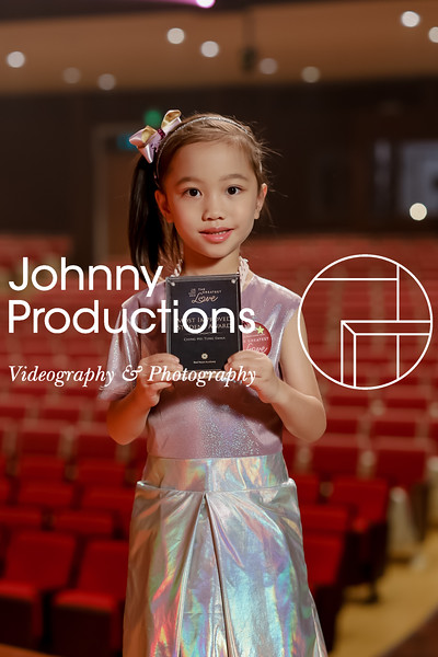 0013_day 1_award_red show 2019_johnnyproductions.jpg
