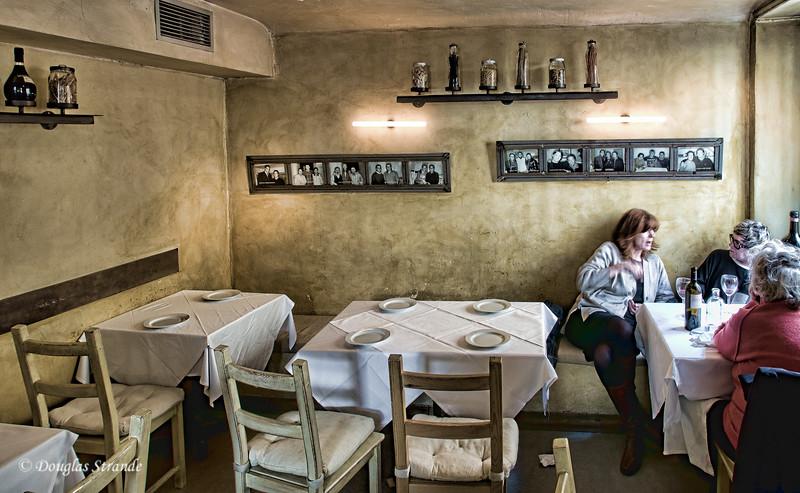 Sun 3/06 in Madrid: inside Restaurant Sant' Arcangelo