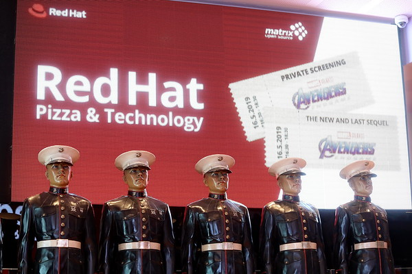 RED HAT Pizza & Technology