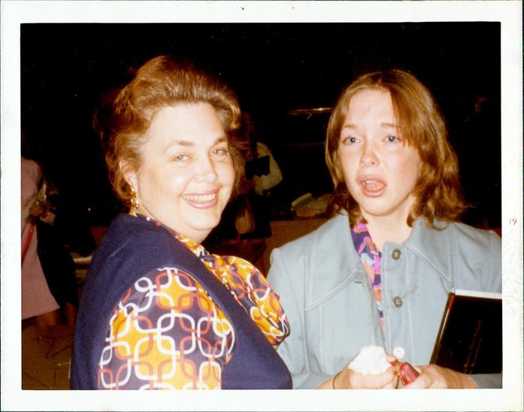 1975 Marie  Gina.jpg