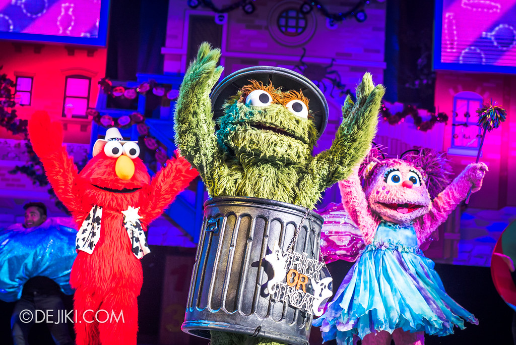 Halloween Horror Nights 7 Before Dark 2 Preview Update / New Show at Pantages Hollywood Theatre - Trick or Treat with Sesame Street - No Candy left at Sesame Street 2