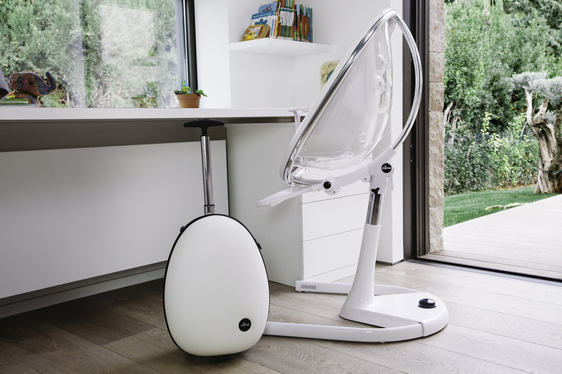 Mima_Moon_Lifestyle_White_Highchair_With_Ovi_Trolley.jpg