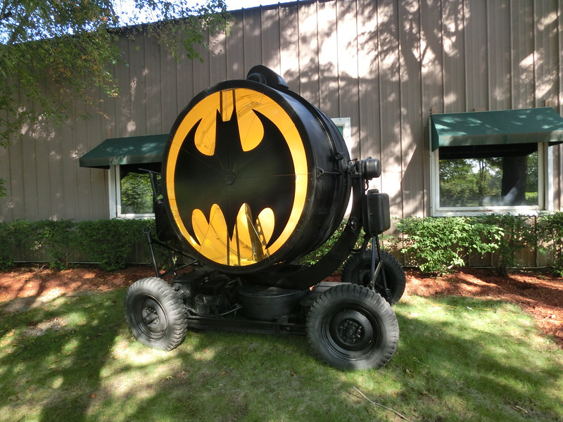 Bat signal projection light