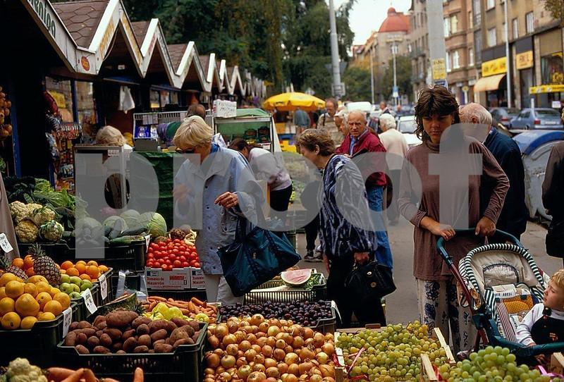 Prague market.jpg