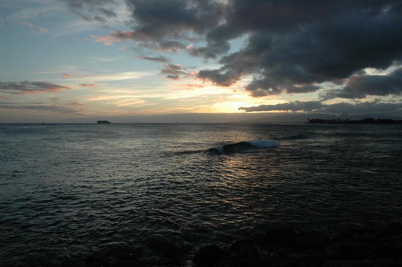 Hawaii - Ala Moana Beach Sunset-57.JPG