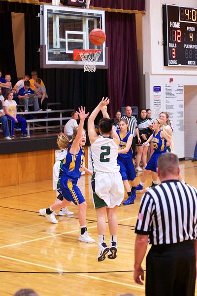 '17 Cyclones Girls Basketball 422.jpg