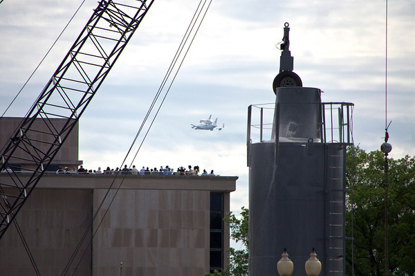 Space Shuttle Discovery Arrives in DC