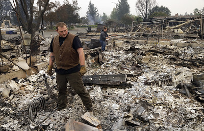 california-wine-country-wildfires-reduce-dreams-to-embers-as-flames-grow