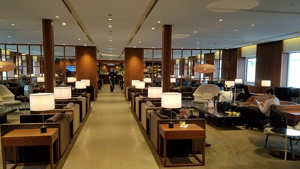 2017 TPE Cathay Pacific lounge