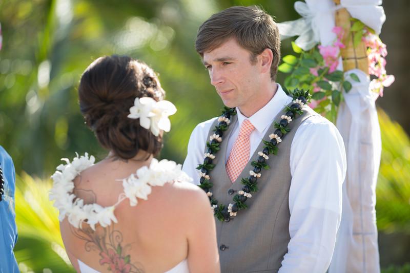 gillin beach kauai wedding-95.jpg