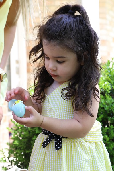 04-01-18 Easter Sunday - Egg Hunt