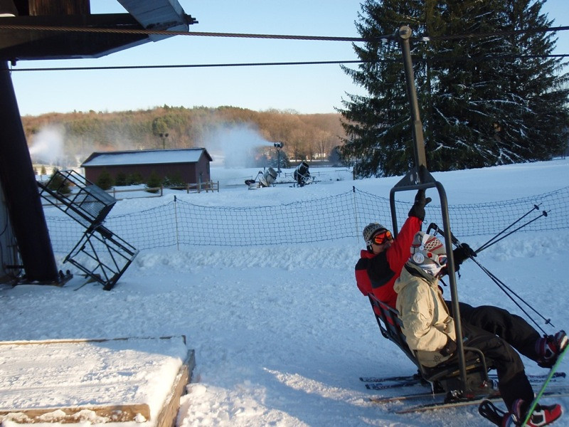 SnowTrailsOpeningDay12_16_09_015.jpg
