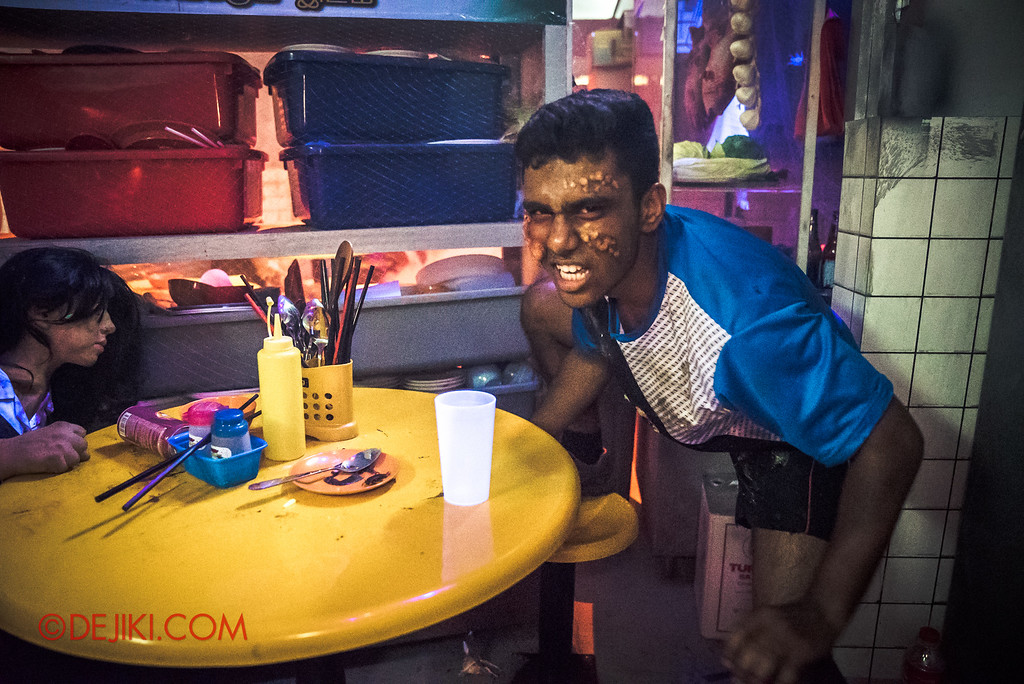 Halloween Horror Nights 6 - Hawker Centre Massacre / Poisoned Teen