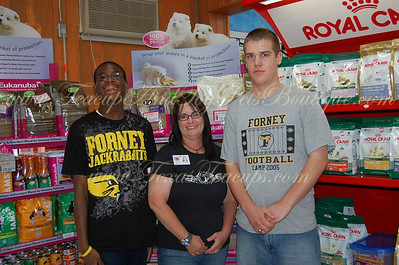 Forney High School Volunteers
