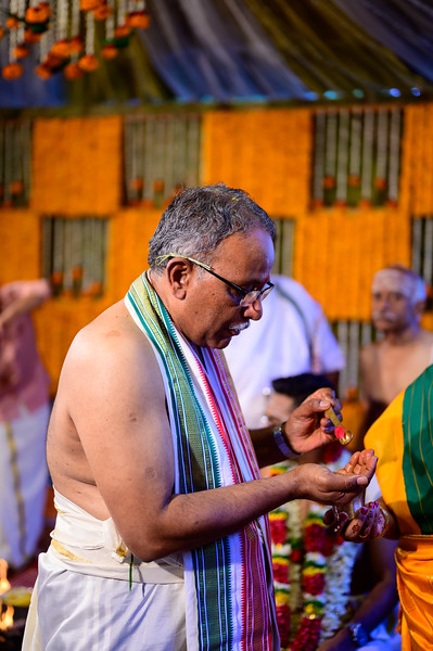 2019-12-Ganesh+Supriya-5306.jpg