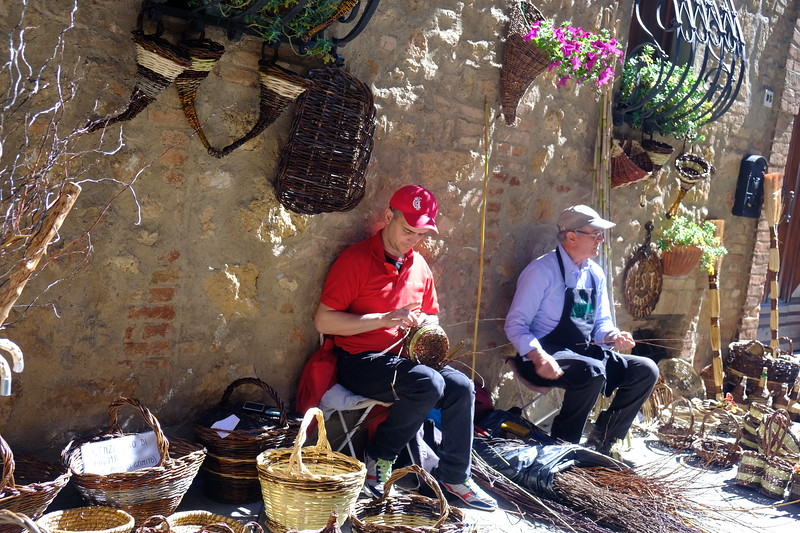 Making baskets at the Saturday Market in Pienza