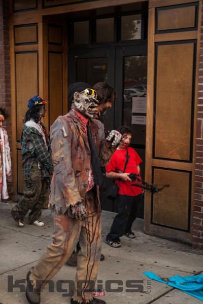 ZombieWalk2012131012076.jpg