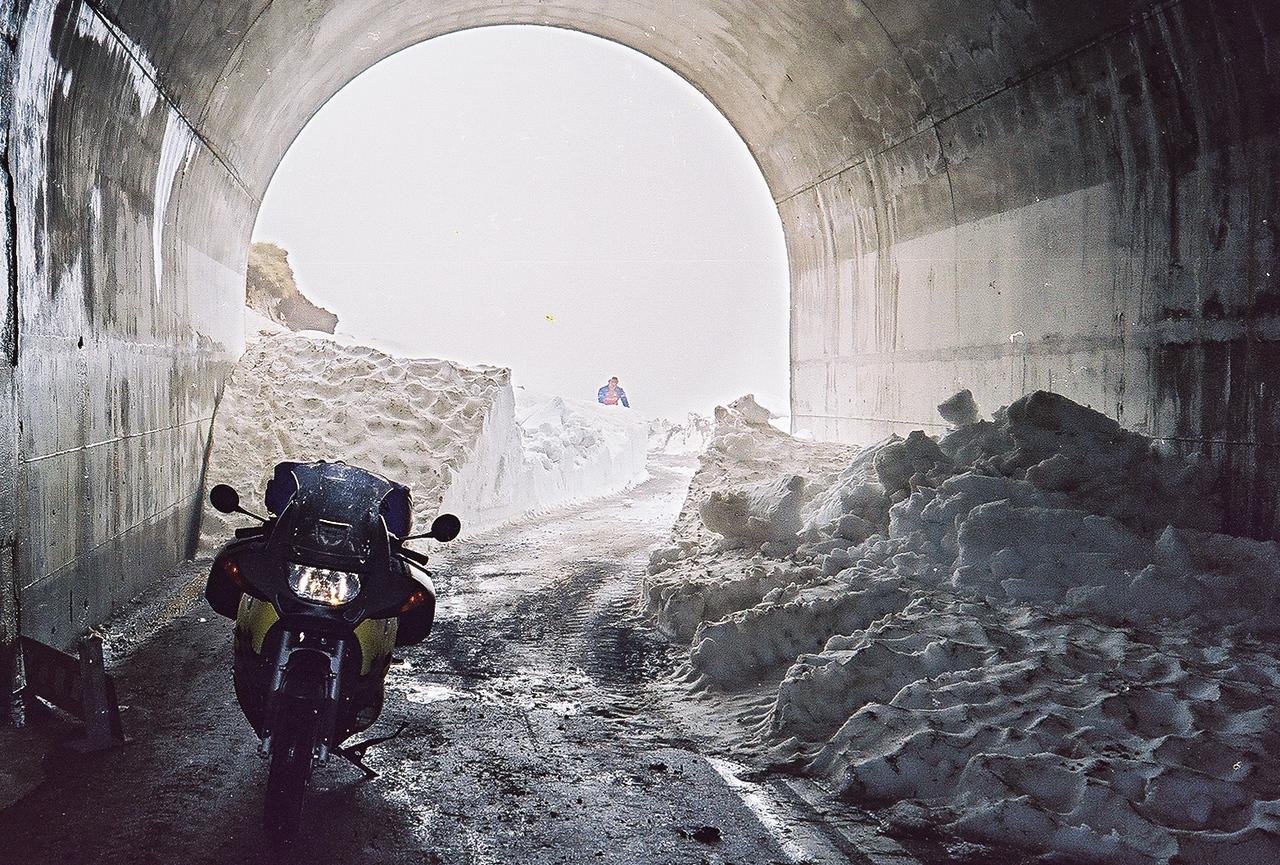 1997. Gaviapas. In de tunnel lag geen sneeuw...