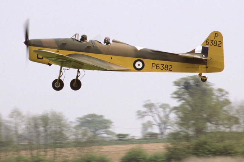 G-AJRS-MilesM14AHawkTrainer-RAF-EGTH-2001-05-10-JY-31-KBVPCollection.jpg