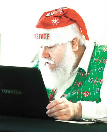 Santas get schooled in ho-ho-holidays