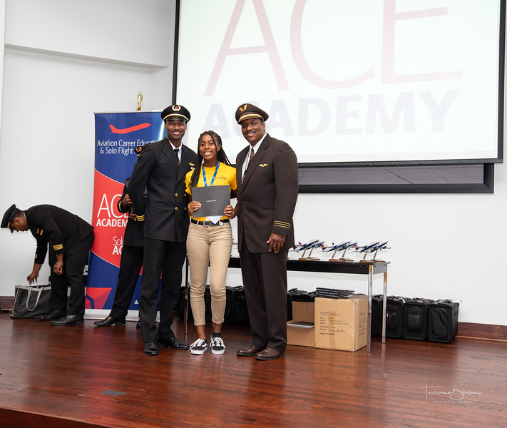 ACE_Graduation2018_sig-47.jpg