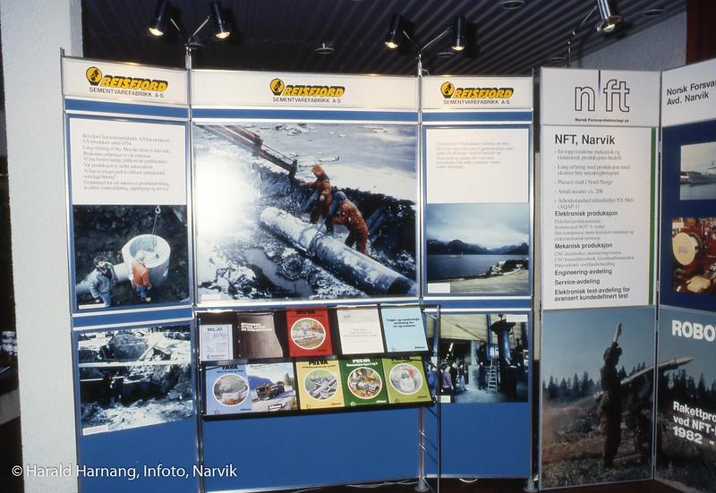 Messe, uklart hvor. Muligens Narvik rådhus.To stands, Beisfjord sementvarefabrikk og Norsk forsvarsteknologi.