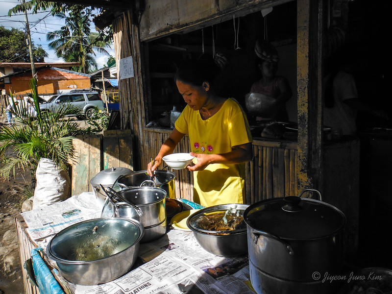 Philippines-food-buffet.jpg