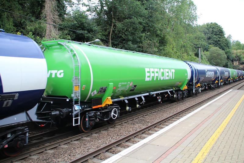 New GBRF TEA 83.70.7792026-7 on 6E92 Acton Lane-Immingham passes Welwyn North 23/08/12