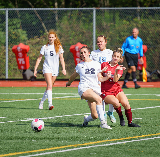 2019-09-28 Varsity Girls vs Meadowdale 051.jpg
