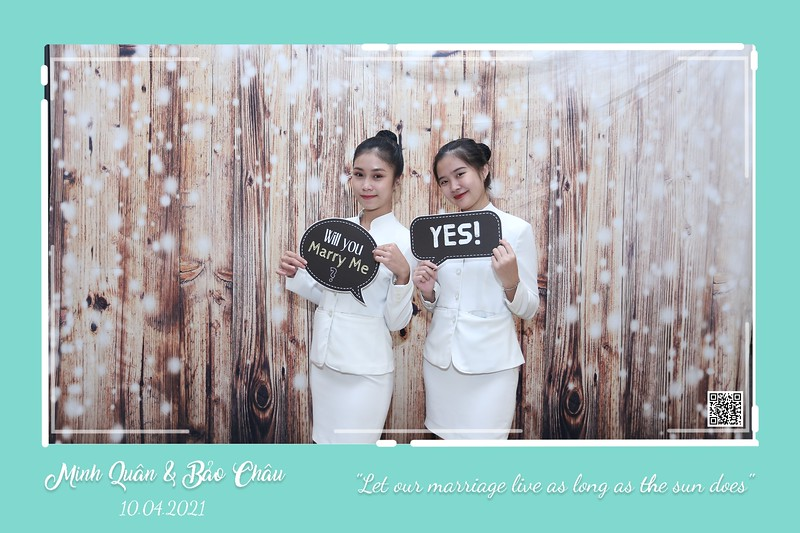 QC-wedding-instant-print-photobooth-Chup-hinh-lay-lien-in-anh-lay-ngay-Tiec-cuoi-WefieBox-Photobooth-Vietnam-cho-thue-photo-booth-114.jpg