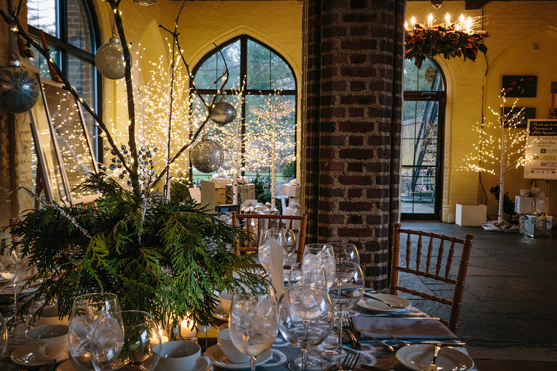 Mike Maney_Heritage Conservancy Christmas at Aldi-15.jpg