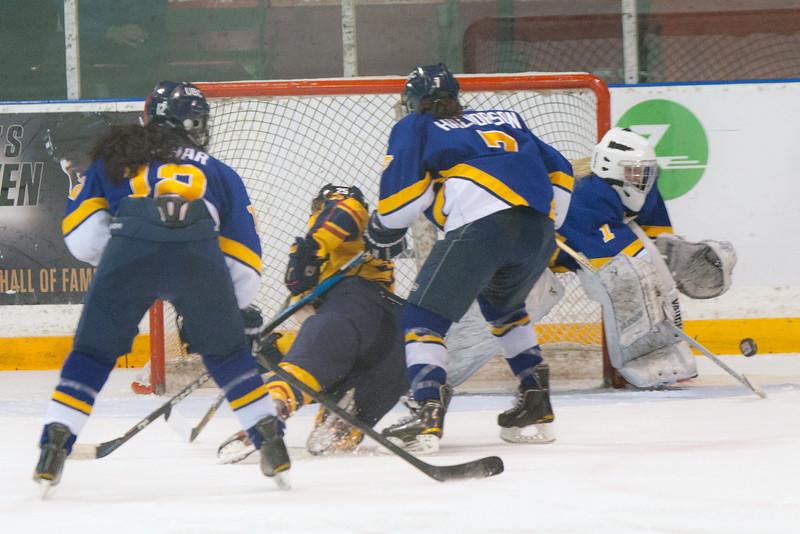 20130310 QWHockeyvsUBC 665.jpg