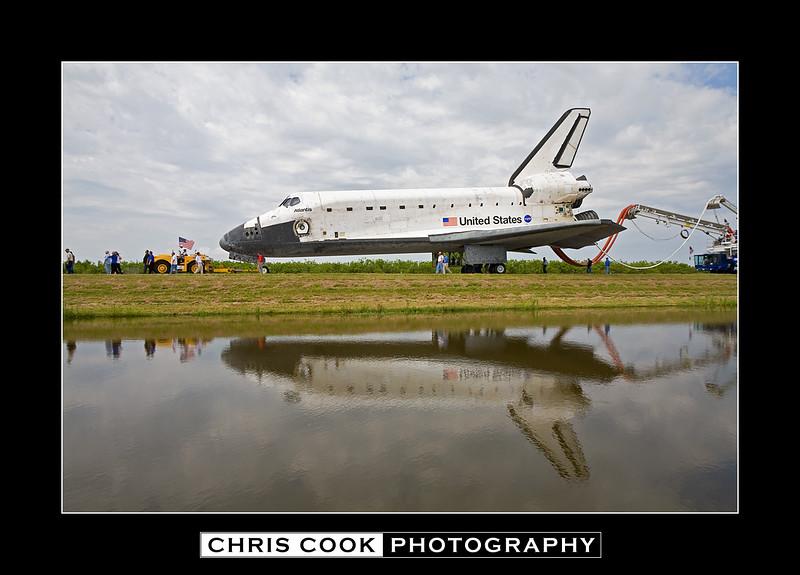 STS-135-landing-13.jpg