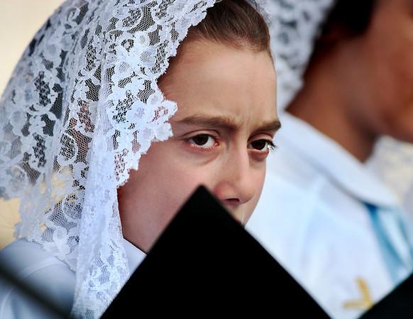 A Turkish Christian sings a hymn. (I figured either Armenian, Syriac, Chaldean or Greek Orthodox.)