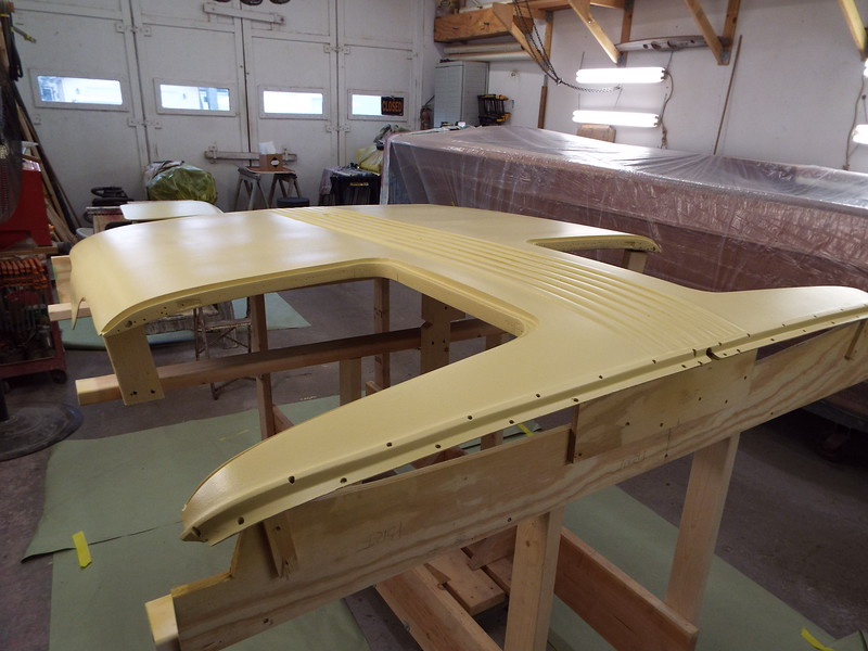 Starboard front view of the top.